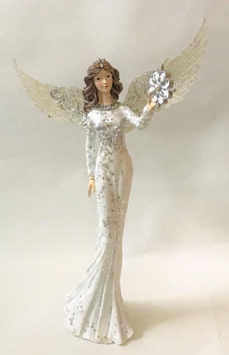 686013291b4f Engel med paljettpyntet kjole og gylne vinger. - Nettbutikken Sonte